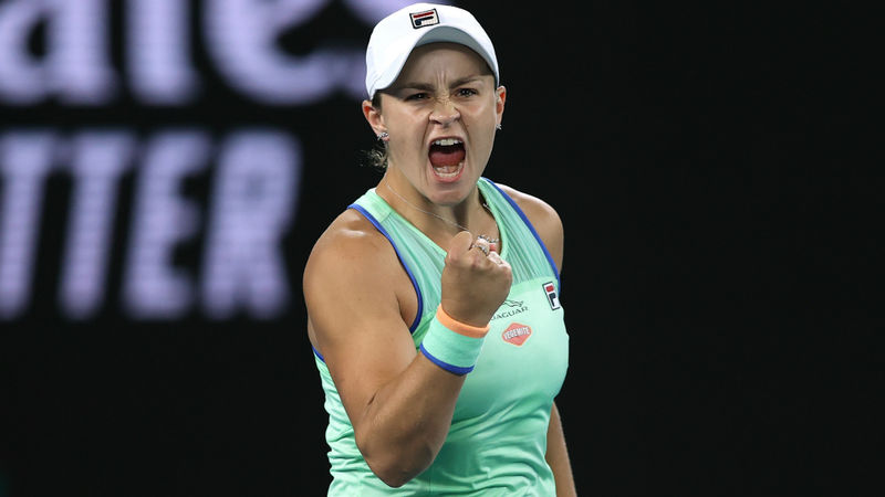 Australian Open 2020: Barty battles on as Kenin ends Coco fairytale