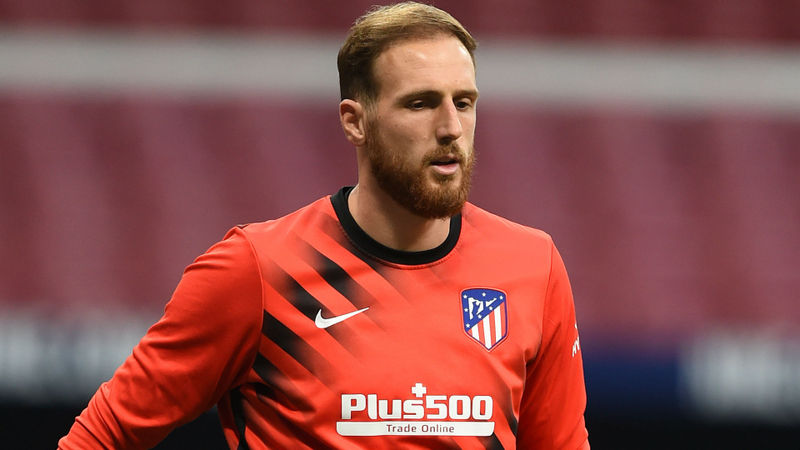 Simeone not surprised by Oblak transfer speculation amid Chelsea rumours