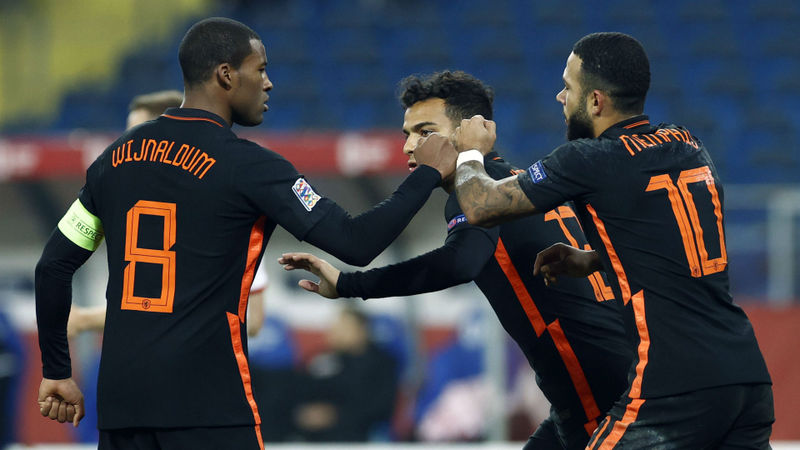 Poland 1-2 Netherlands: Depay and Wijnaldum complete late turnaround