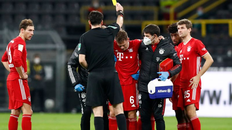 Bayern's Kimmich off injured in Der Klassiker