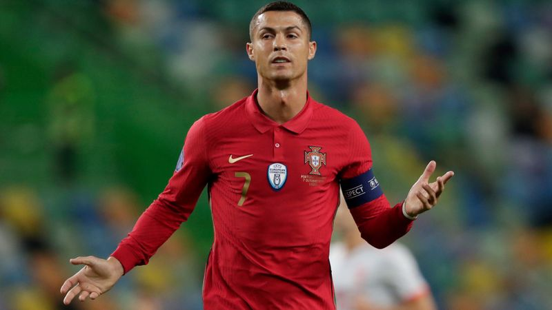 Cristiano Ronaldo tests positive for coronavirus