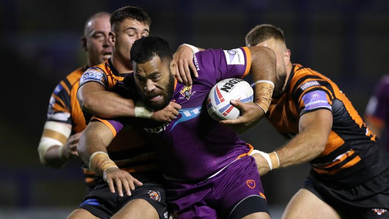Huddersfield v Castleford cancelled after 12 positive coronavirus tests