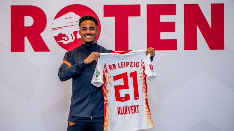 Kluivert swaps Roma for Leipzig on loan