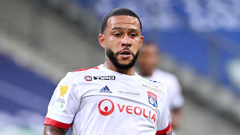 Juninho says Depay in 'strong position' amid Barca interest, Lyon dreaming of Benzema