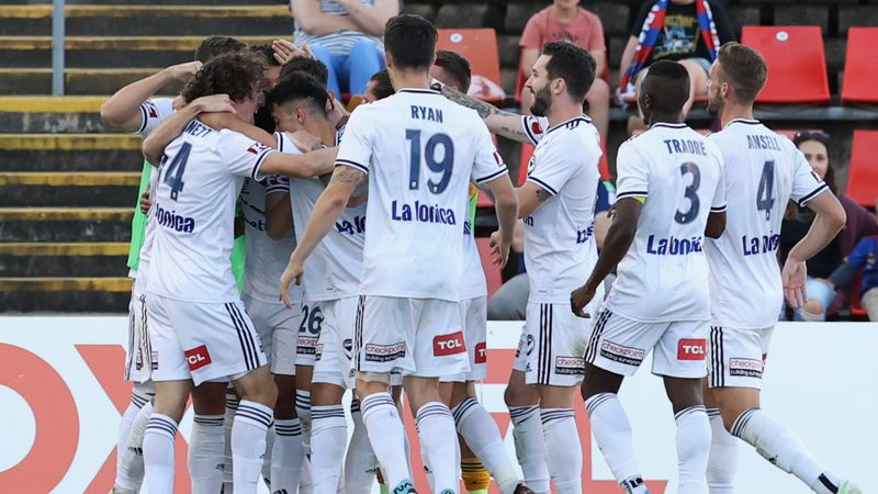 A-League: Victory snap winless streak while Maclaren's scoring run rolls on