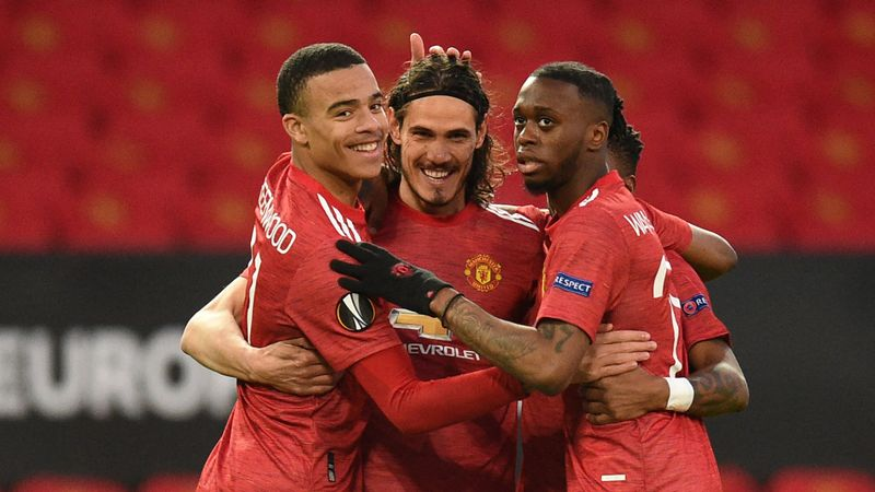 Manchester United 2-0 Granada (4-0 agg): Cavani landmark strike as semi-final awaits