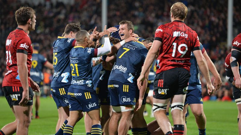 Crusaders stunned by Highlanders, Waratahs lose again in dramatic finish