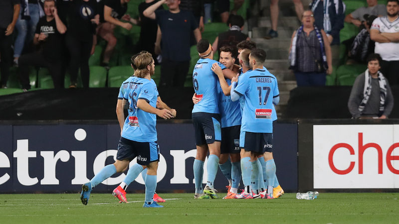 Melbourne Victory 0-3 Sydney FC: Sky Blues make it six in a row against rivals
