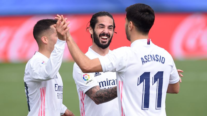 Real Madrid 2-0 Eibar: Champions maintain LaLiga ambitions before Liverpool clash