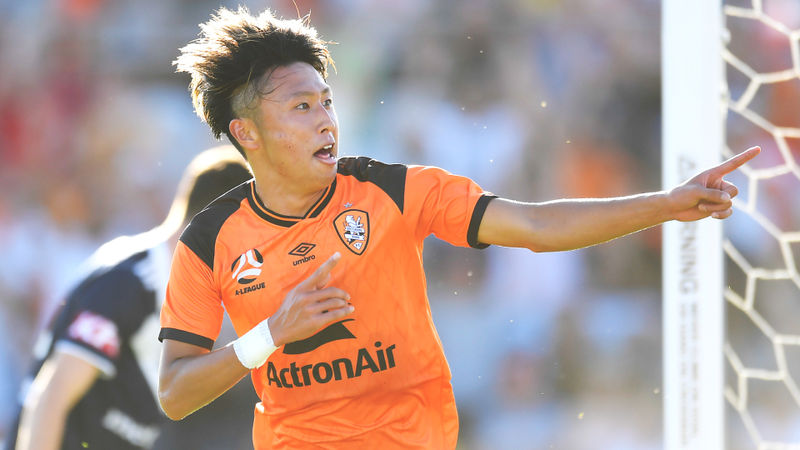 A-League: Brisbane Roar back to summit with Victory thrashing
