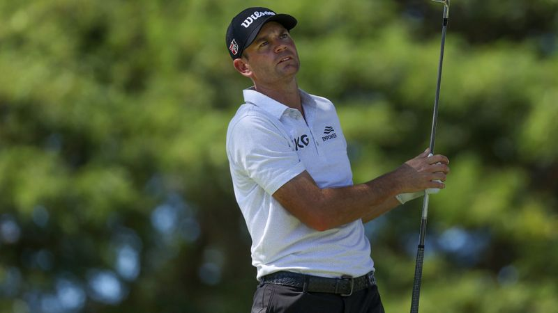 Steele posts lowest round of PGA Tour career to lead Sony Open