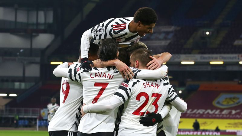 Man United out to equal record set by treble-winning side in Fulham trip