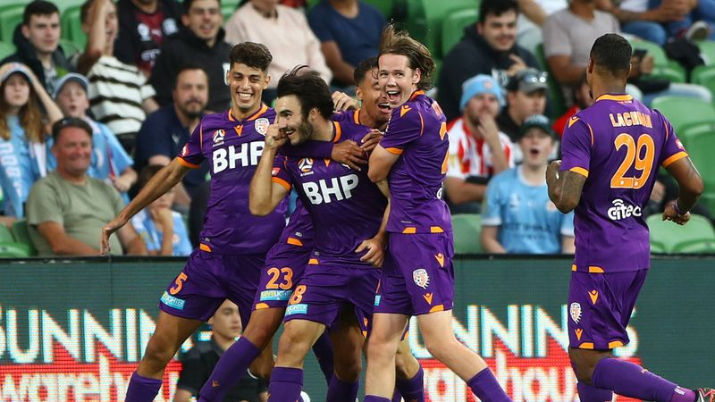 A-League Review: Glory down City as Wellington stun Mariners