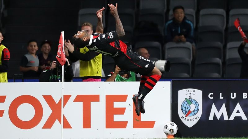Western Sydney Wanderers 4-3 Wellington Phoenix: Yeboah strikes to settle A-League thriller