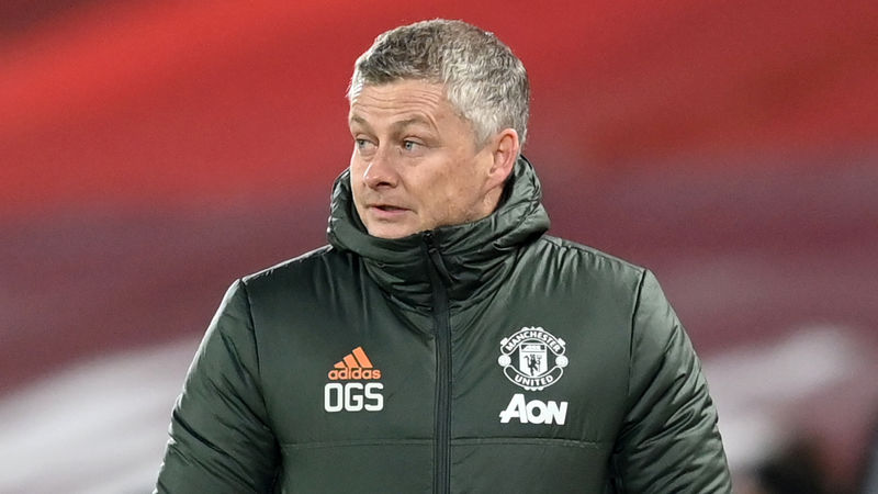Neville: Solskjaer needs to win a trophy with Man Utd this season
