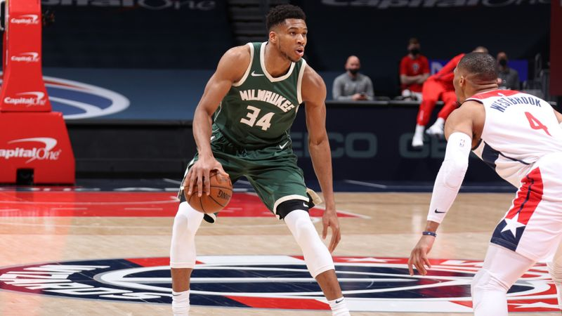 Giannis Antetokounmpo after record-setting performance: I'm not Kobe
