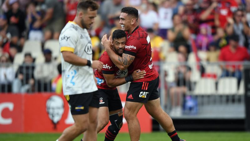 Crusaders 33-16 Hurricanes: Taylor crosses twice in dominant win