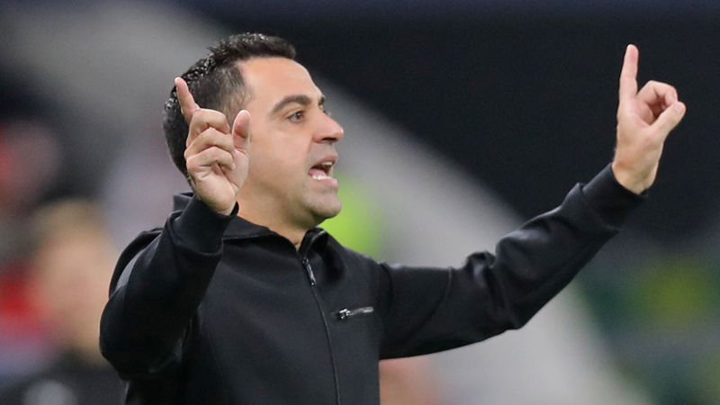 Xavi extends Al-Sadd contract to end Barca speculation, denies clause