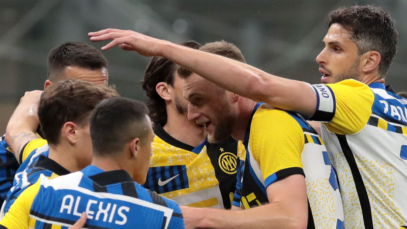 Inter 3-1 Roma: Serie A champions stretch winning home run