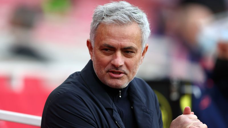 Rumour Has It: Mourinho eyes Premier League connections for Roma, Madrid and PSG targeting Serie A pair